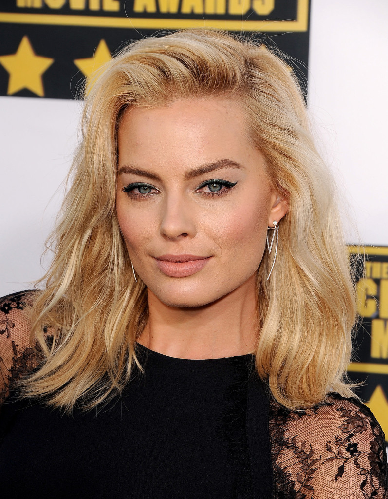 margot robbie 797x1024 Margot Robbie to play Harley Quinn in Suicide Squad