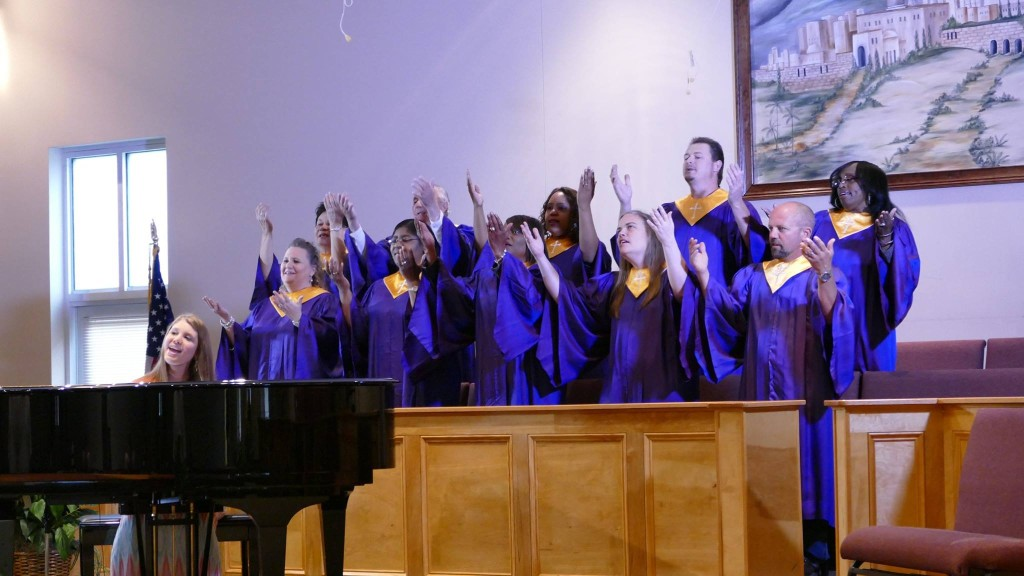 Faiths singing with Choir 1024x576 Faiths Song (2016) review